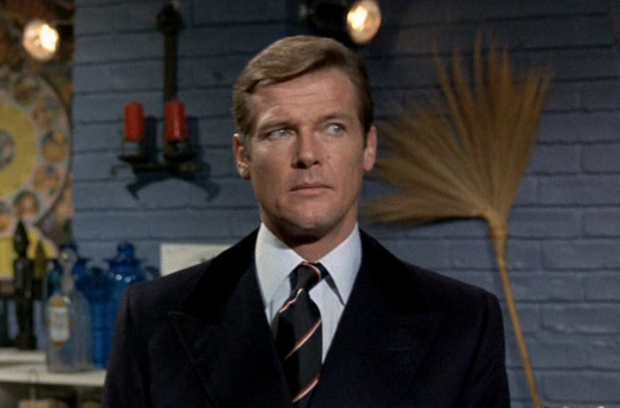 """Roger Moore - Live and Let Die """"Oh Really?"""""""