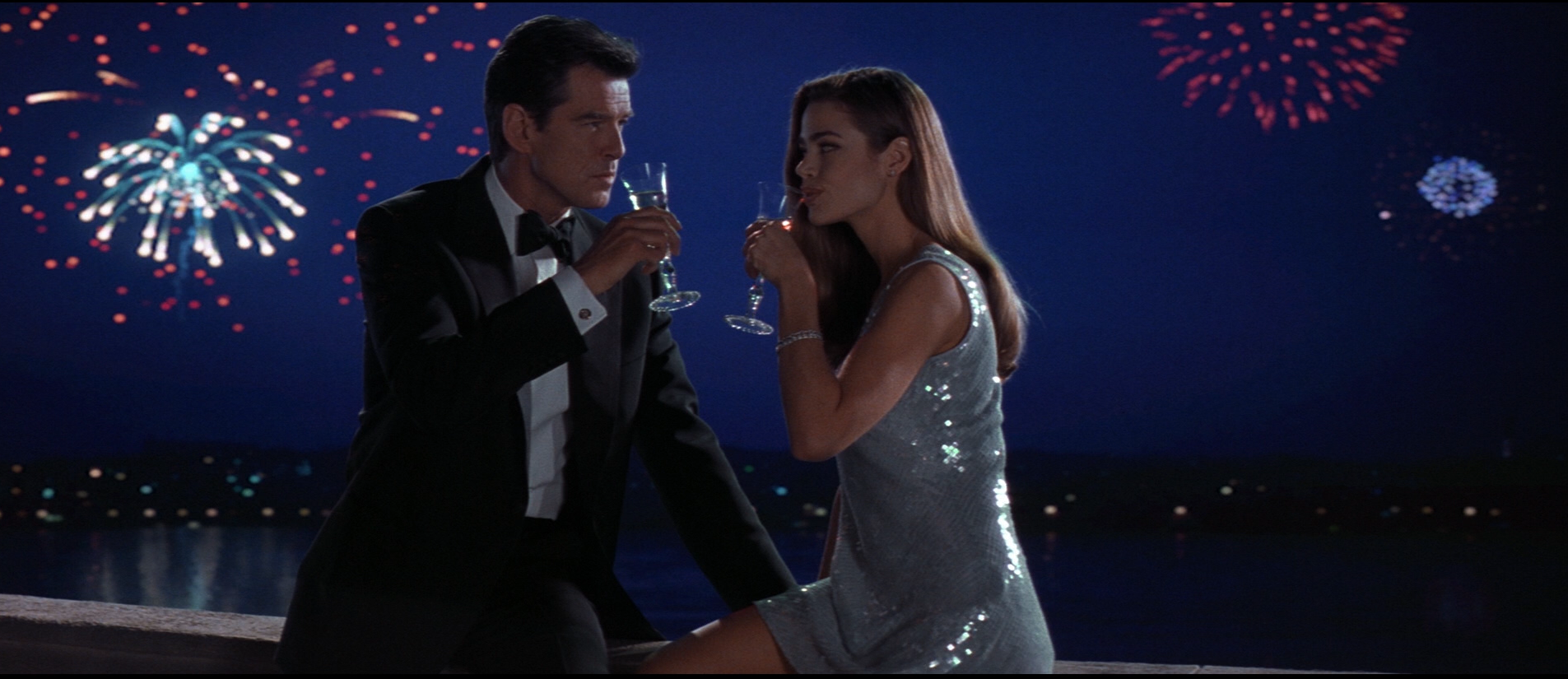 The Tragedy of The World Is Not Enough: Shakespeare and a Sewer of Misogyny - #Bond_age_