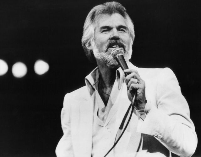 Casino Royale Opening Remixed w/ Kenny Rogers (Live!)