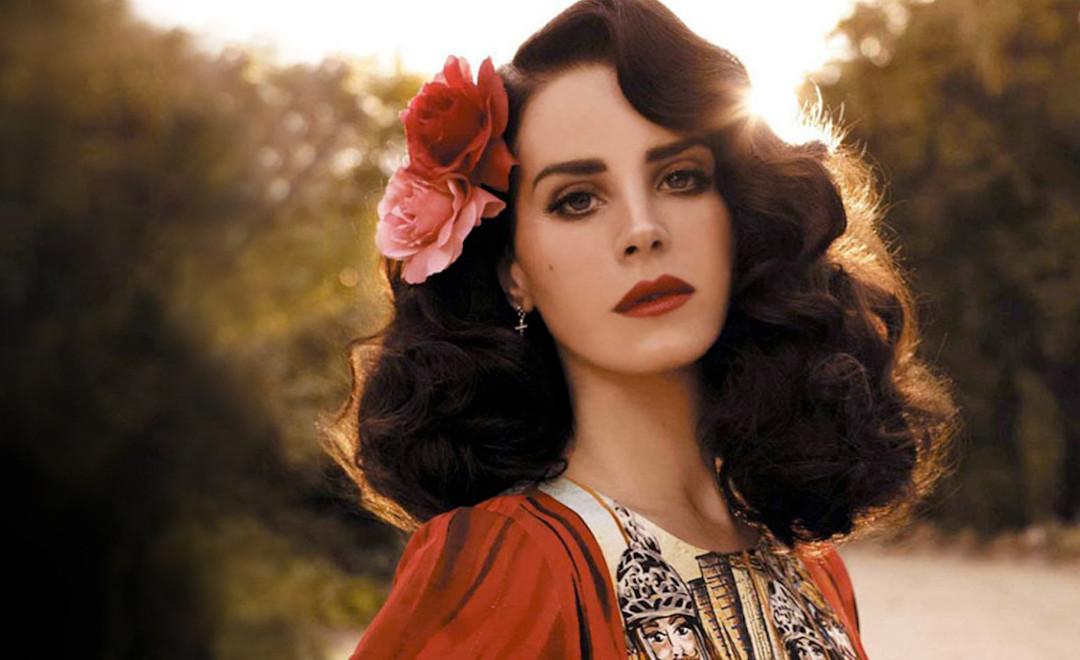 Spectre Opening Remixed w/ Lana Del Rey
