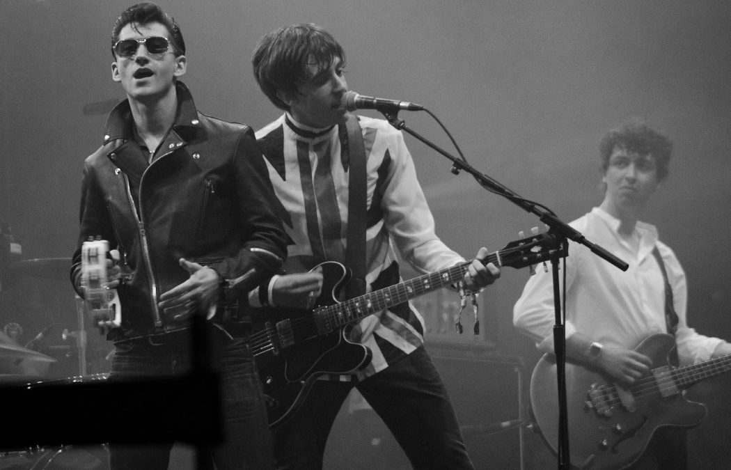 The Spy Who Loved Me Opening Remixed w/ The Last Shadow Puppets